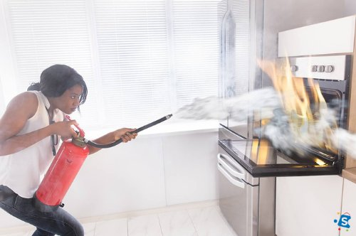 Dos and Don'ts When Using a Fire Extinguisher.
