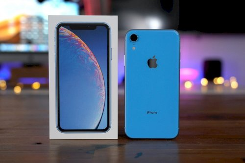 Product Features of iPhone XR and Reviews.
