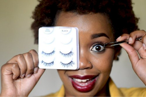 Here's How to Apply False Eyelashes Like A Pro.