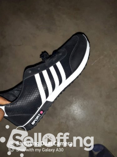 Black and White Stripes Sneakers(Unisex)