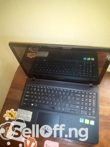 "Samsung Notebook 5 15.6"" (NP530E6M)"